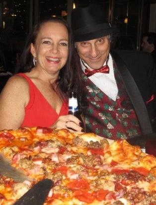 Funny Speaker loves pizza